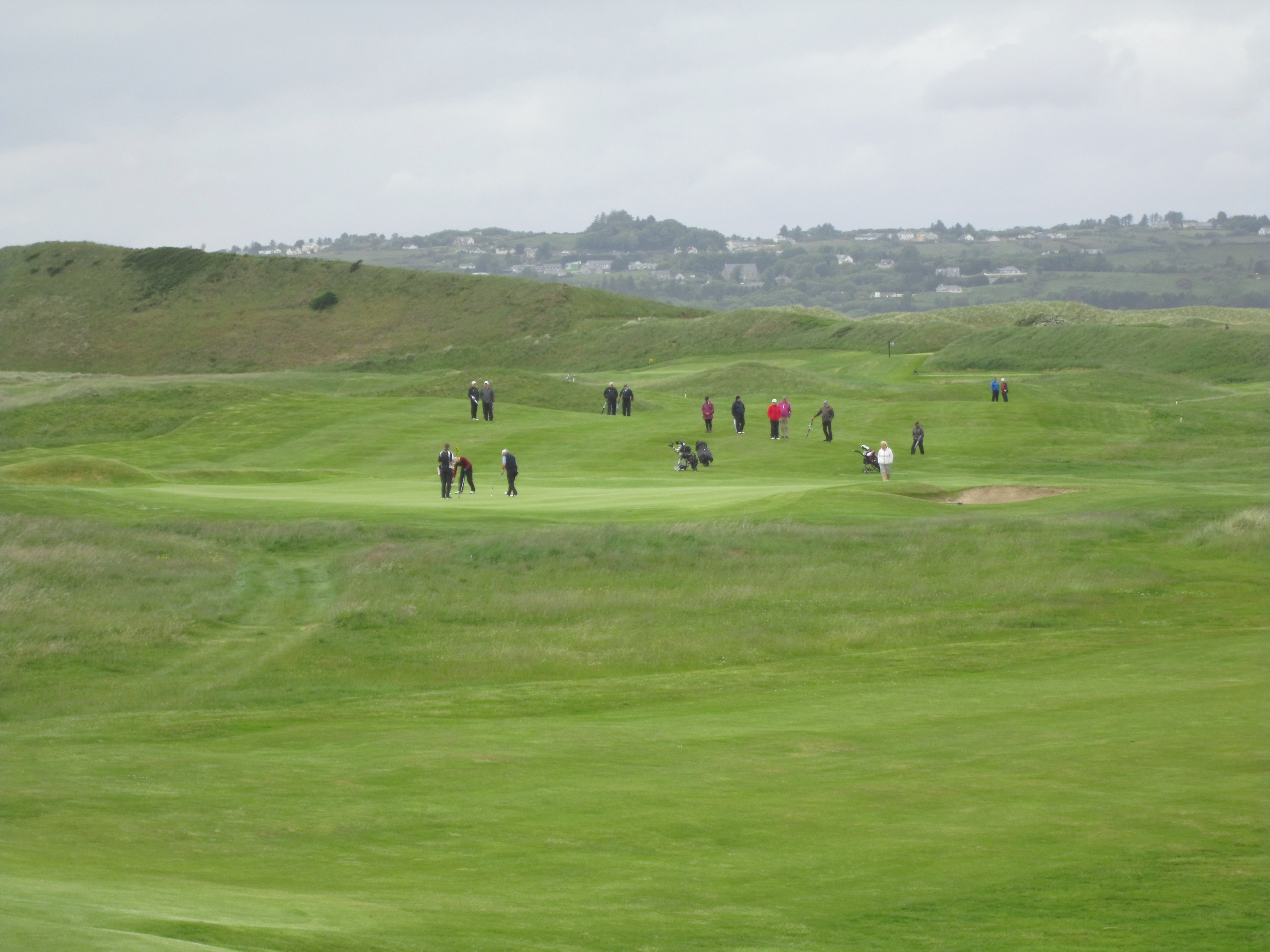 The crowd watching the McGimpsey group on the 15th